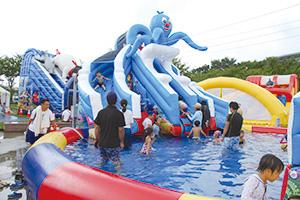 ふわふわ遊具のテーマパーク「ふわふわフェスティバル」&「ふわふわウォーターパーク」